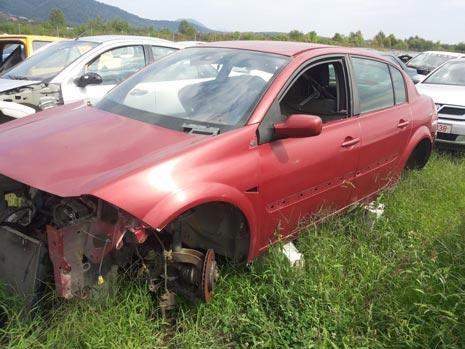 Dezmembrari Renault Megane 2 sedan [An 2003-2008] 1.6 16v