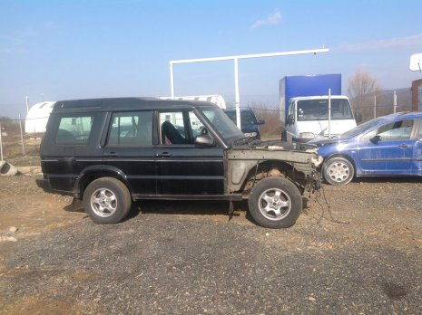 Dezmembrari Land Rover Discovery 2.5 TD5